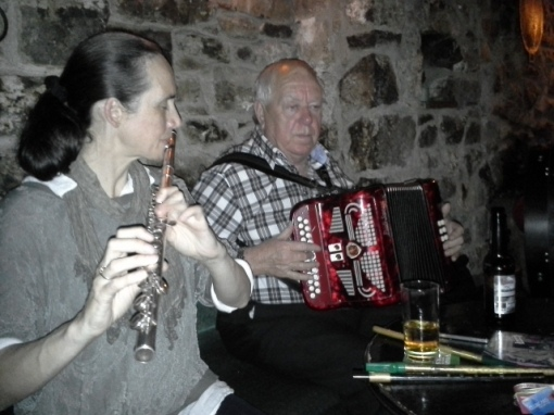 Áine Heslin (flute) and Jimmy Clancy (accordeon)
