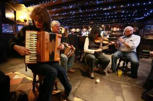 Seisiún at Cruises Bar. Photgrapher Patrick Keating