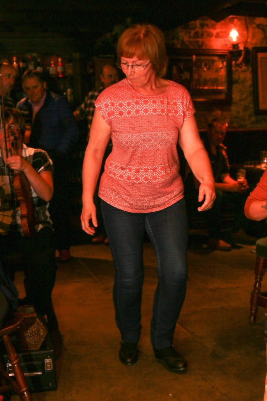 Patricia doing a fine sean-nós dance. Photo by Pat Keating.